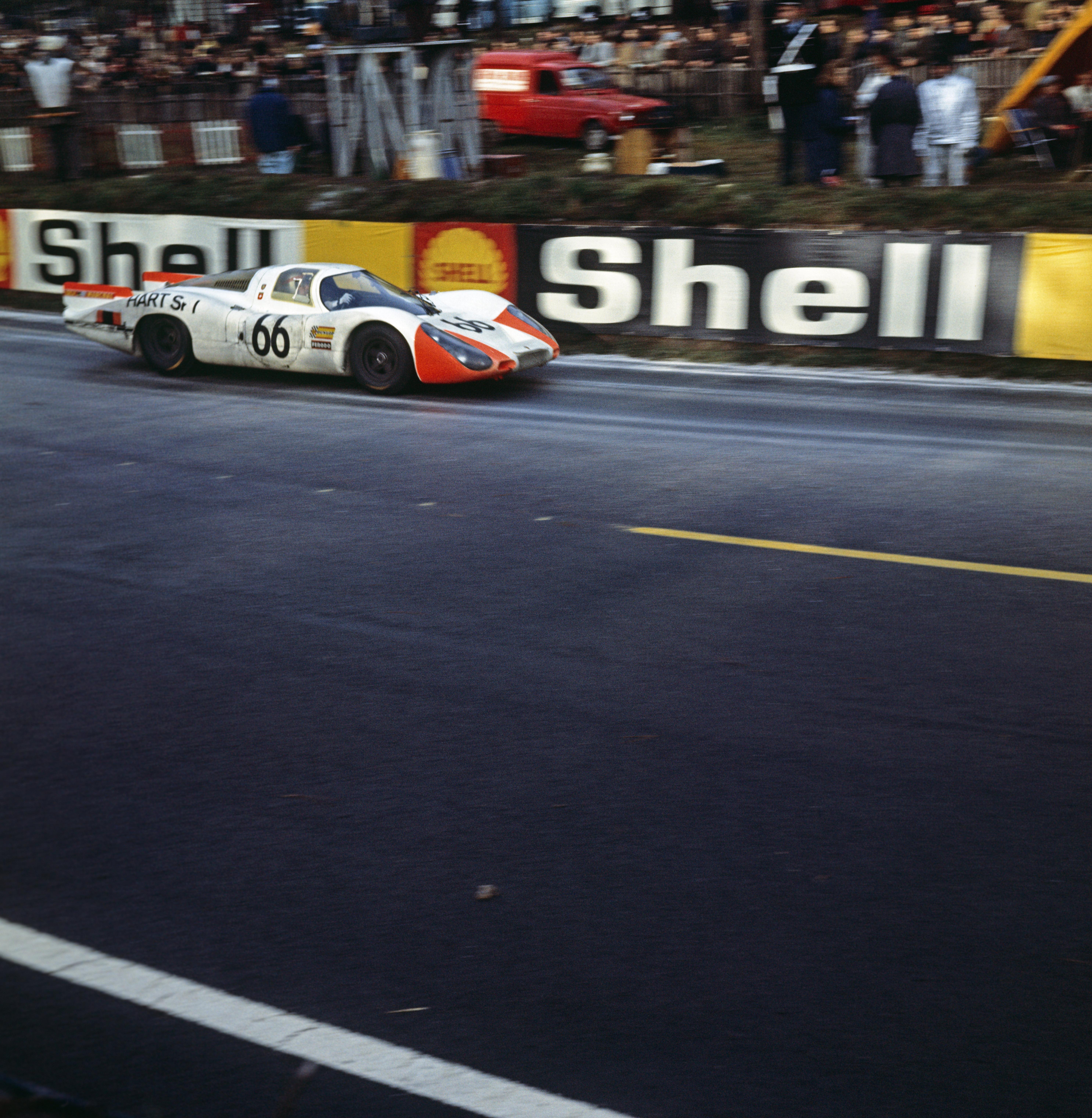 29.09.1968 24h Le Mans; Nr. 66: Rico Steinemann und Dieter Spoerry auf einem 907 LH Coupé; 2. Pl. Ges.Kl. (1. Pl. P 3.0-Klasse)