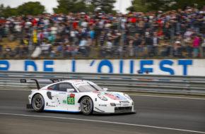 Patrick Pilet Nick Tandy Earl Bamber Porsche GT Team Porsche 911 RSR 24h Le Mans