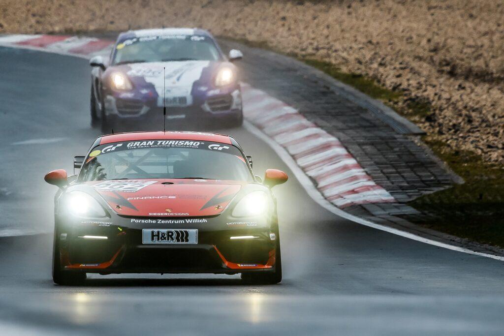 Jules Hendrik von Danwitz Frikadelli Racing Porsche 718 Cayman GT4 Clubsport MR Nürburgring Langstrecken-Serie Nürburgring-Nordschleife