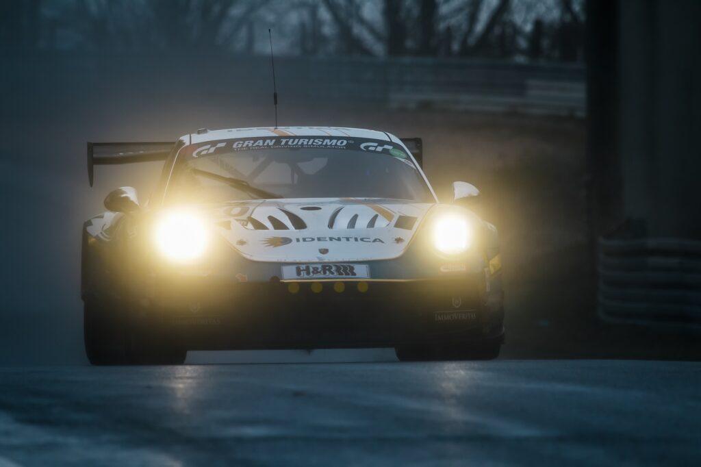 Noah Nagelsdiek Florian Naumann Hendrik von Danwitz Black Falcon Team Textar Porsche 911 GT3 Cup MR Nürburgring Langstrecken-Serie Nürburgring-Nordschleife