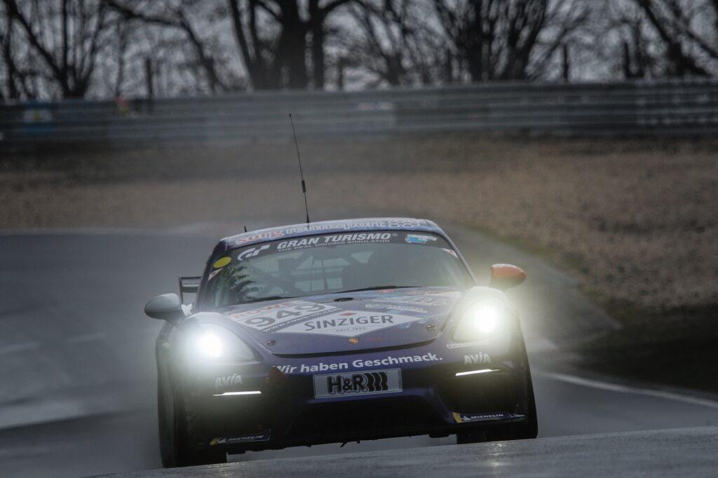 Stefan Beyer Heiko Eichenberg Torsten Kratz Team AVIA Sorg Rennsport Porsche 718 Cayman GT4 Clubsport MR Nürburgring Langstrecken-Serie Nürburgring-Nordschleife