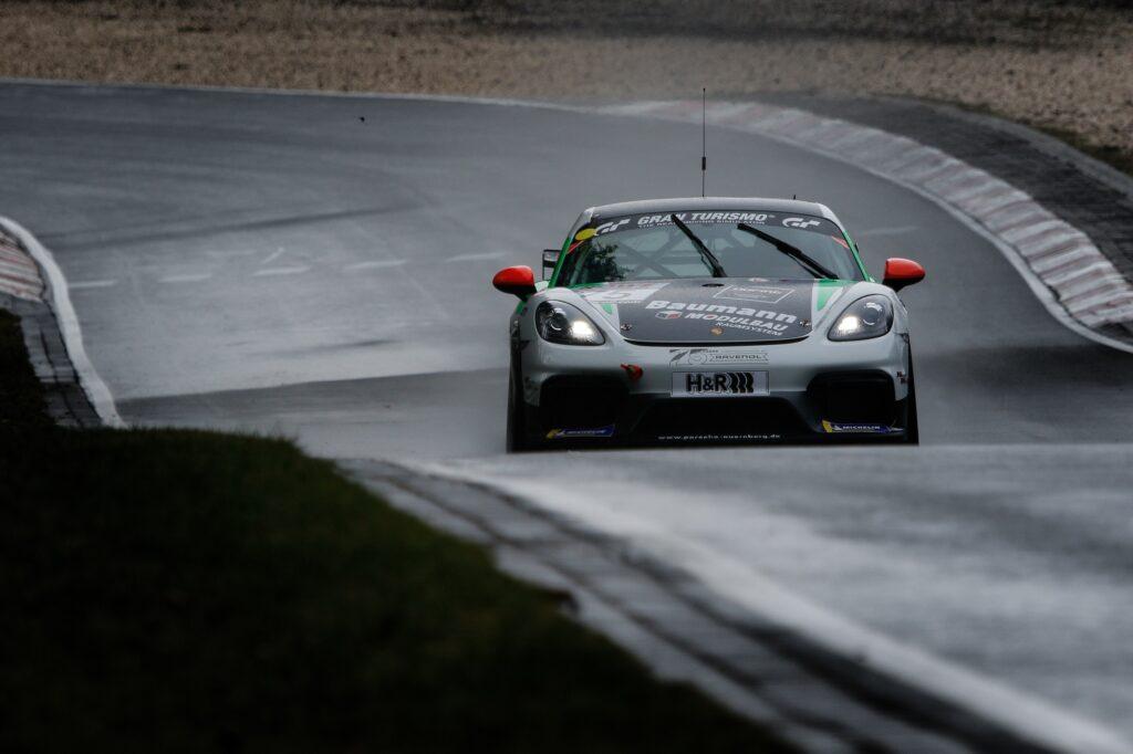 Horst Baumann Kai Riemer Schmickler Performance Porsche 718 Cayman GT4 Clubsport MR Nürburgring Langstrecken-Serie Nürburgring-Nordschleife