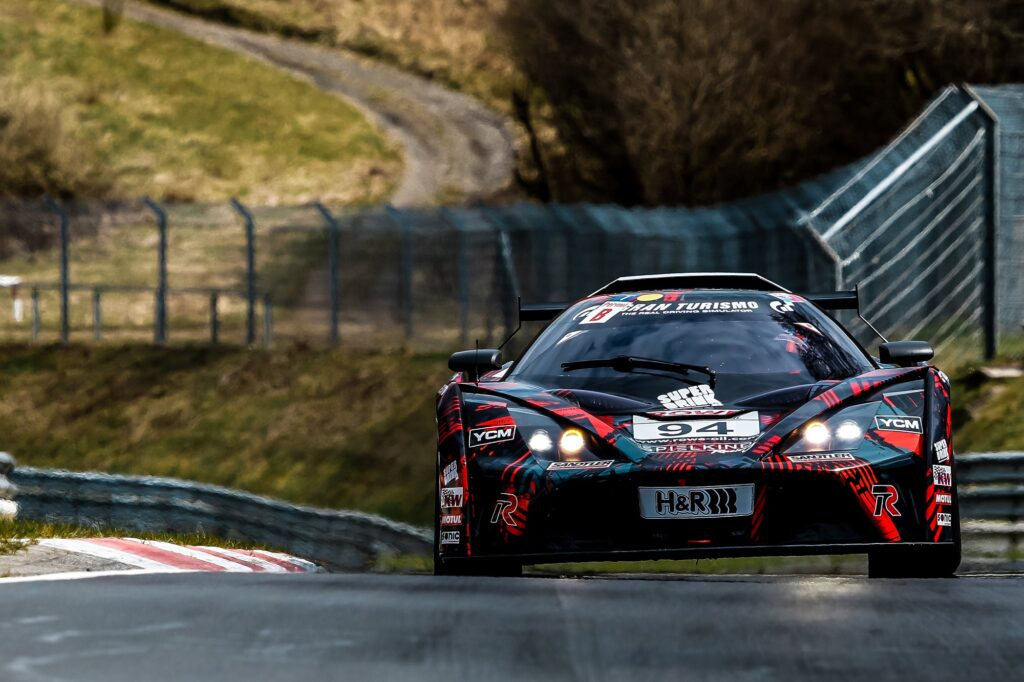 Tamino Bergmeier Mads Siljehaug Felix von der Laden Teichmann Racing KTM X-Bow GT4 Nürburgring Langstrecken-Serie Nürburgring-Nordschleife