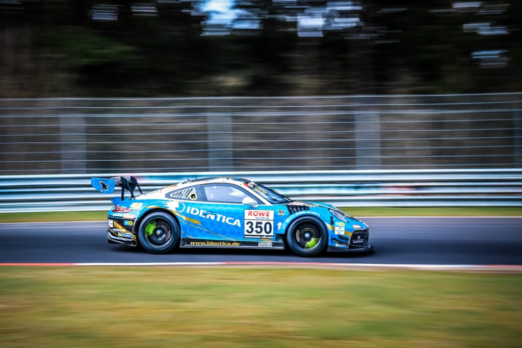 Florian Naumann Noah Nagelsdiek Hendrik von Danwitz Black Falcon Team Identica Porsche 911 GT3 Cup MR Nürburgring Langstrecken-Serie Nürburgring-Nordschleife