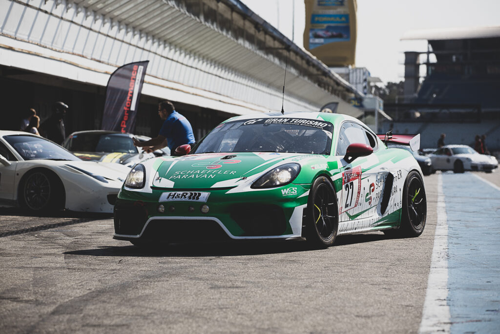 W&S Motorsport Porsche 718 Cayman GT4 Clubsport MR