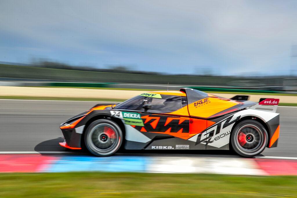 Reinhard Kofler Laura Kraihamer True Racing KTM X-Bow GT4 DTM Trophy Lausitzring