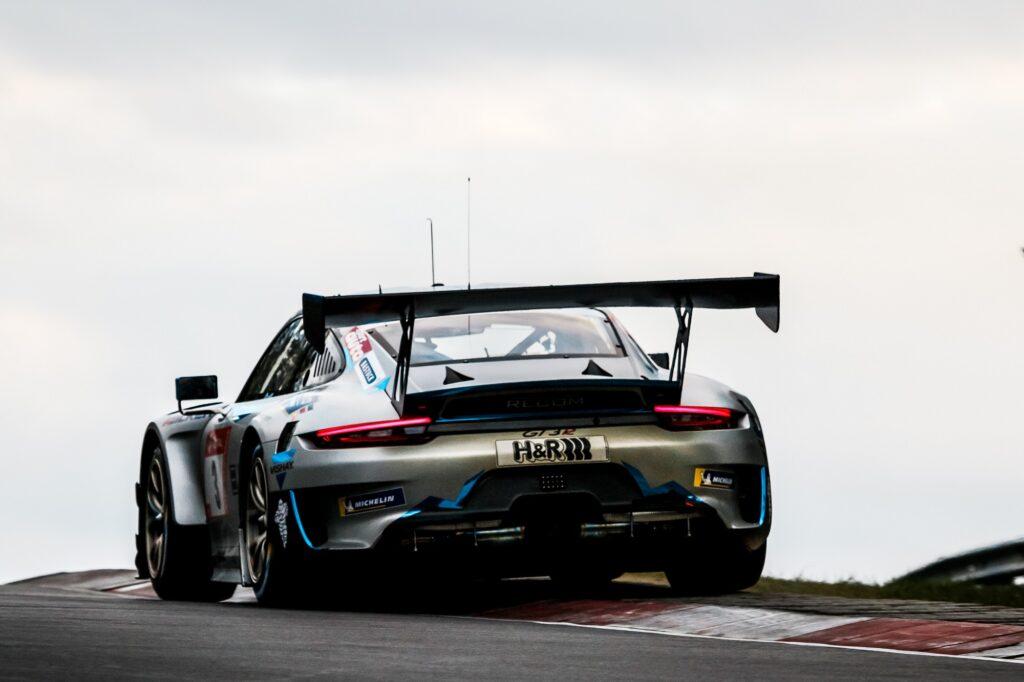 Tobias Müller Tristan Viidas Rutronik Racing Porsche 911 GT3 R Nürburgring Langstrecken-Serie Nürburgring-Nordschleife